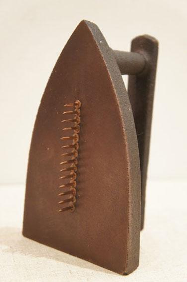 マン・レイ マルチプル「Cadeau 1921/1974」/Man Ray