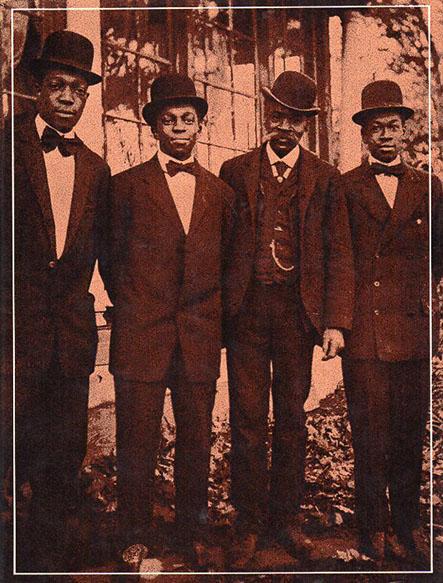 The World of James Van DerZee A Visual Record of Black Americans/James Van DerZee Reginald McGhee編