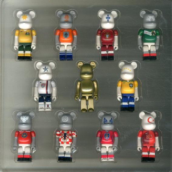 ナイキ ベアブリック ボックスセット NIKE JOGA BONITO BE@RBRICK BOX SET 2006 World Cup/