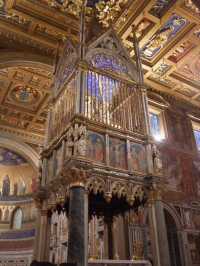 サン・ジョヴァンニ・イン・ラテラーノ大聖堂 祭壇