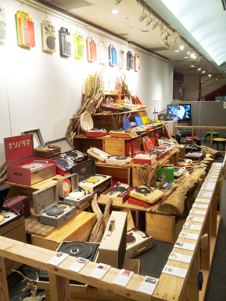 日本のポータブル・レコード・プレイヤー展